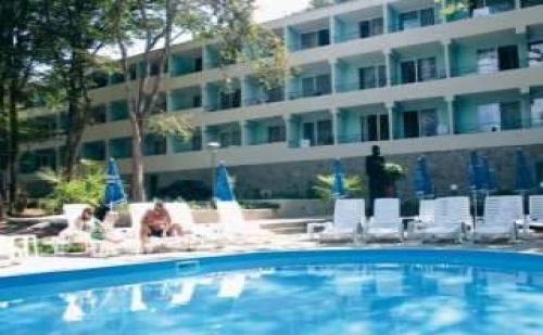 Горещо Лято в <em>Китен</em>, All Inclusive за Двама След 20.08 в Хотел Ариана, <em>Китен</em>