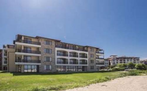Изгодна Оферта за Нов Хотел на Първа Линия, Нощувка със Закуска от 17.08 в Оазис Дел Сол, Лозенец