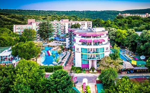 Септември в <em>Златни Пясъци</em>! Нощувка на База All Inclusive + 2 Басейна, Водни Пързалки и Анимация в Сооее Mimosa Sunshine Hotel****. Дете до 13Г. - Безплатно!