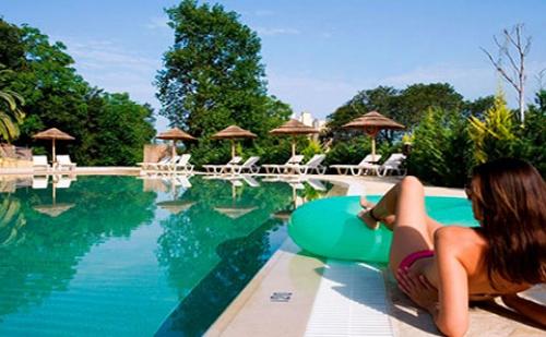 През Септември: 7 нощувки със закуски и вечери в Ariti Grand Hotel 4*, о.<em>Корфу</em>, Гърция!