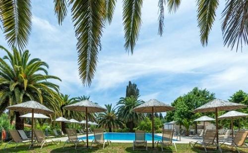 През Септември: 7 нощувки със закуски и вечери в хотел Silver Bay 3*, о.<em>Корфу</em>, Гърция!