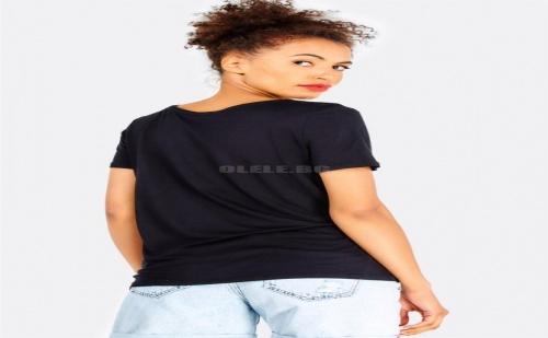 Дамска тениска със звезда Black T-Shirt With Sequin Star Detail