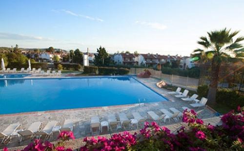 През Септември: 3 нощувки, All Inclusive в Bellagio Hotel 3*, Фурка, Халкидики, Гърция!