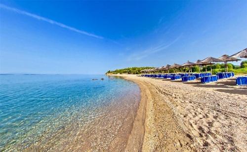 Last Minute за Почивка на <em>Халкидики</em>, Гърция! 3 Нощувки във Вила Ситония, на 50М от Плажа в Метаморфози.