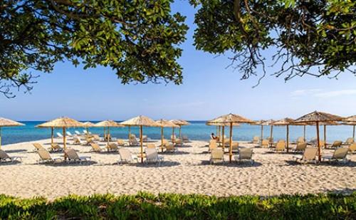 Last Minute! 3 Нощувки със Закуски и Вечери в Хотел Kassandra Palace 5*, Халкидики, Гърция през Септември!