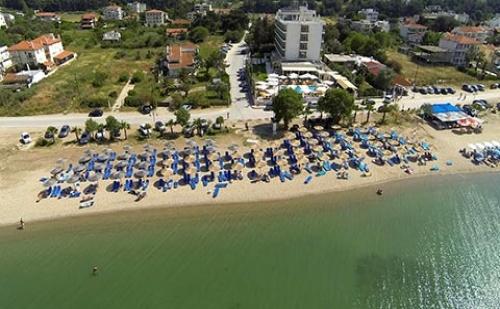 3 Нощувки със Закуски и Вечери в Хотел Santa Beach 4*, Агия Триада, Гърция през Септември и Октомври!