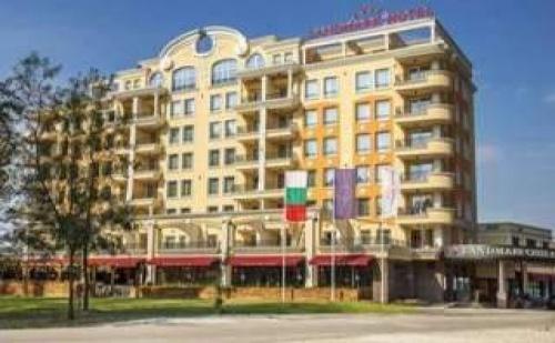 Лукс Нова Година в Бутиков Хотел Ландмарк Крийк, Пловдив, 3 Дни Полупансион с Празнична Вечеря