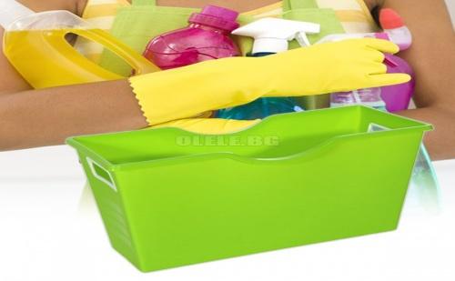 Пластмасов кош за съхранение на домакински препарати