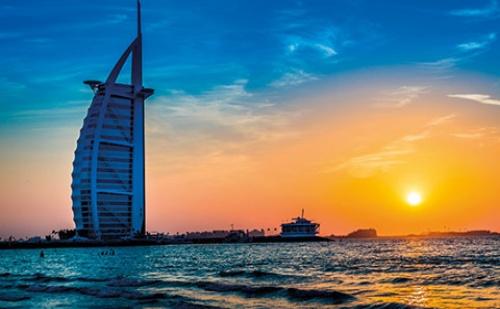 Екскурзия до <em>Дубай</em> - Различен, Магнетичен, Екзотичен!! 5 Дни, 4 Нощувки със Закуски, Самолетен Билет и Туристическа Програма!