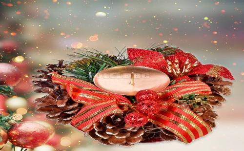 Коледен Свещник Венец със Шишарки