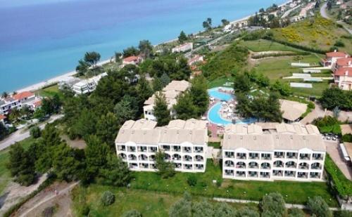 Ранни Резервации: 5 Нощувки със Закуски и Вечери в Хотел Lesse 4*, Халкидики, Гърция през Юли и Август!