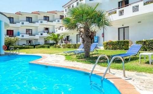 Ранни Резервации: 5 Нощувки със Закуски и Вечери или All Inclusive в Хотел Dolphin Beach 3*, Халкидики, Гърция през Май и Юни!