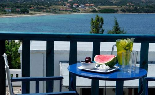Ранни Резервации: 5 Нощувки със Закуски и Вечери в Хотел Agionissi Resort 4*, о.амуляни, Гърция през Юни и Юли!