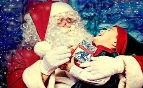 30 Минутно Посещение на Дядо Коледа на Адрес на Клиента за Една Незабравима Коледа от Театър Пан!