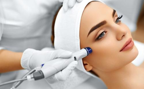 Красива Кожа! Медицинско Почистване на Лице + Маска Според Нуждите на Кожата от Салон за Красота Алма Морел!