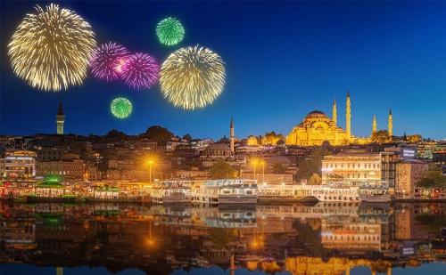 Нова Година в <em>Истанбул</em>! Транспорт + 3 Нощувки със Закуски + Посещение на Забележителности от Абв Травелс!