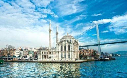 Уикенд Екскурзия до <em>Истанбул</em>! Транспорт, 2 Нощувки на човек със Закуски + Посещение на Чорлу и Фирмения Магазин на Тач. Тръгване Всеки Четвъртък до Края на 2019Г. с Абв Травелс  ...