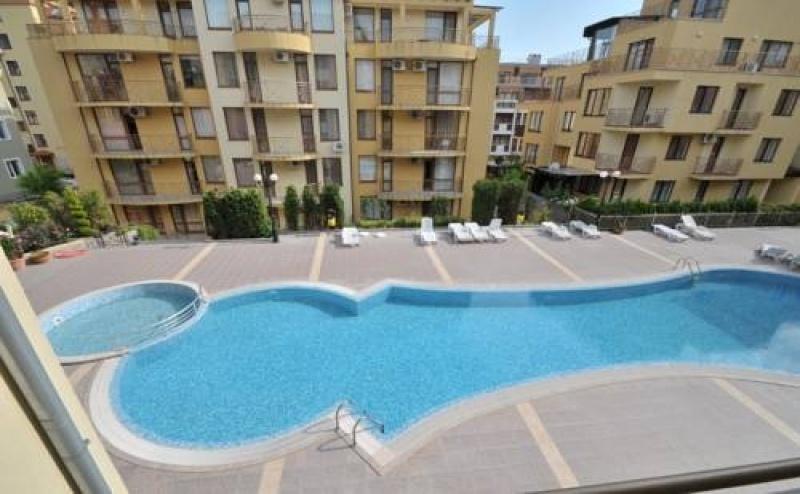 Почивка за <em>Двама</em> в Siana Individual Apartments, Свети Влас