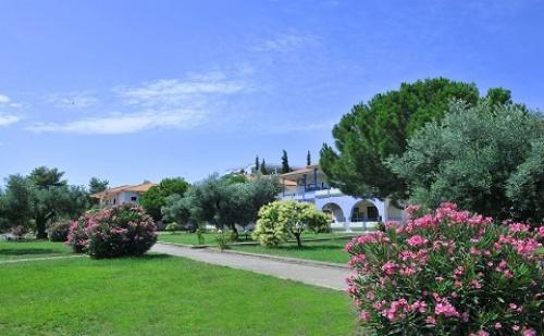 Ранни Записвания: 7 Нощувки със Закуски и Вечери в Хотел Sithonia Village 3*, Халкидики, Гърция през Юни и Юли!