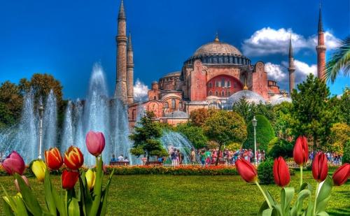 Ранни Записвания за Фестивала на Лалето в <em>Истанбул</em> през Април 2019 Год. Транспорт + 2 Нощувки със Закуски на Топ Цена с Молина Травел.