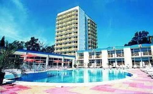 Ultra All Inclusive на Плажа с Безплатен Чадър и Шезлонг до 30.06 в Мпм Хотел Орел, <em>Слънчев бряг</em>