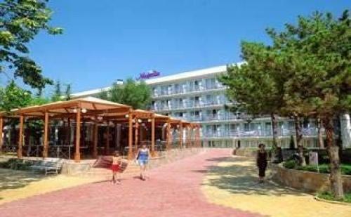 Лято 2019 All Inclusive с Чадър и Шезлонг на Плажа в Албена, до 08.07 в Хотел Магнолия Плюс