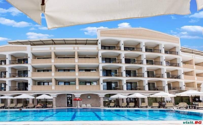 Луксозна Почивка Лято 2019 в <em>Приморско</em>, Полупансион до 09.07 в Топ Хотел Сиена Палас