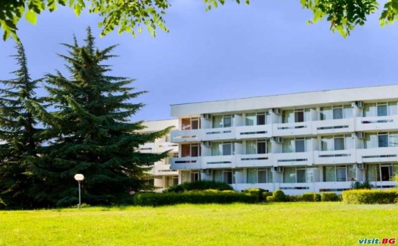 All Inclusive Лято 2019 в Албена, до 08.07 с Чадър и Шезлонг на Плажа от Хотел Компас