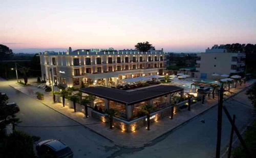 Ранни Записвания 2019 в Гърция, 5 Дни Полупансион за Двама в Danai Hotel & Spa
