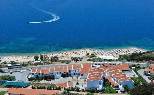 Ранни Записвания Гърция, 5 Дни Полупансион за Двама в Akti Ouranoupoli Hotel