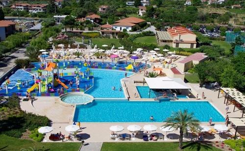 Ранни записвания Гърция, 3 дни Ultra All Inclusive за двама от 24.05 в Cronwell Platamon Resort