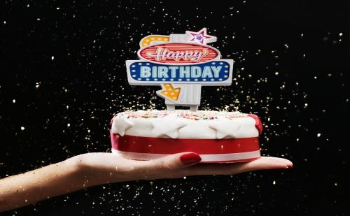 Светеща Украса за Торта - Happy Birthday