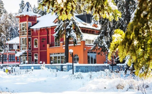 Ски Почивка от Февруари до Март в <em>Боровец</em>! Нощувка със Закуска и Вечеря в Бутиков Хотел Сокол!
