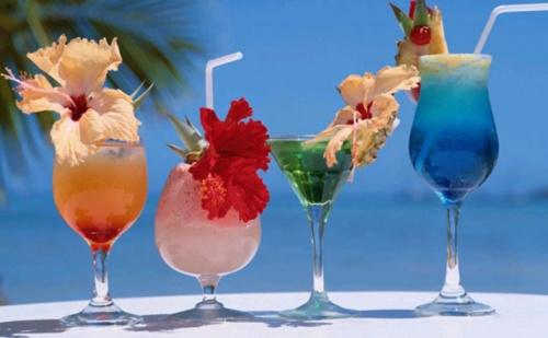 В Гърция за Пет Нощувки на човек със Закуска, Вечеря и Безплатни Чадъри и Шезлонги на Плажа и Басейна в Хотел Ismaros - Мароня / 11.07.2019 - 27.08.2019
