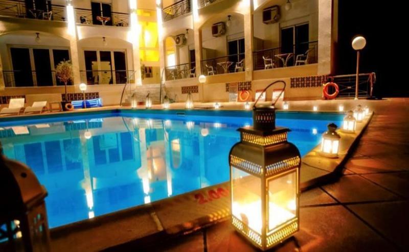 Специална Оферта за Юни в Хотел Stavros Beach - Халкидики за Една Нощувка на човек със Закуска, на 100 Метра от Пясъчния Плаж на Касандра / 09.06.2019 - 20.06.2019