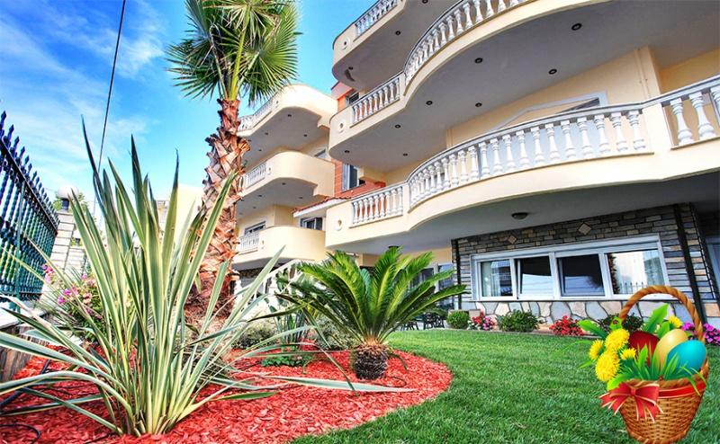 Слънчев Великден в <em>Керамоти</em>, Гърция. 3 или 5 Нощувки в Stayinn Keramoti Vacations Apartments! Възможност за Празничен Обяд с Гръцка Музика и Бонус Вечеря!
