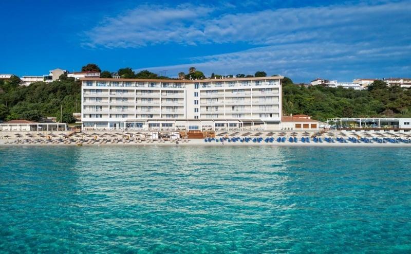 Ранни Записвания Гърция, 5 Дни за Двама Полупансион в Ammon Zeus Hotel