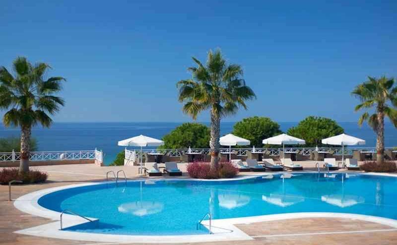 Ранни Записвания Гърция, 5 Дни за Двама Полупансион в Pomegranate Wellness Spa Hotel