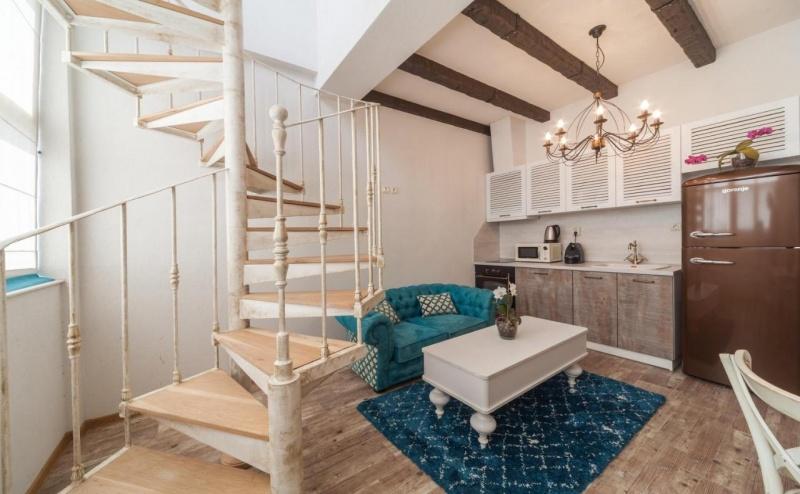 Почивка за Двама в Charming Sea View Apartment, <em>Варна</em>